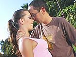 Sexe Elle se fait smatcher le fesse par son prof de tennis ! AVI