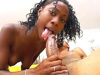 Video porno Etudiante black en maîtrise de chibre !