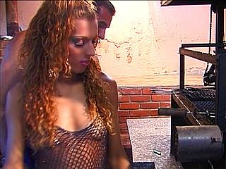Téléchargement de Transsexuelle amatrice de tempête anale !