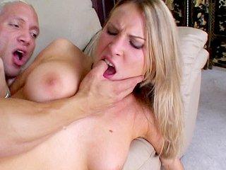 Video porno Elle se fait culbuter comme une grosse truie !