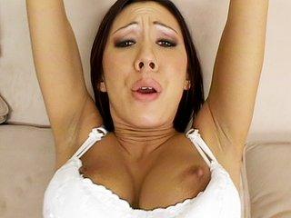 Film porno Tronchez la comme une chienne elle n'attend que ça !