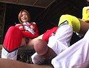 clip Les biogirls punissent à leur façon un dangereux bandit !