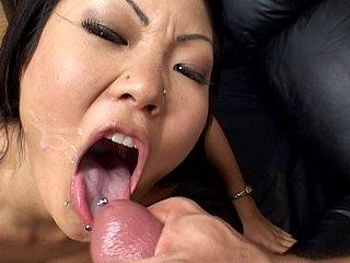 Lucy Lee : Salope de chinoise se fait enculer à sec. 1