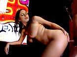 Telecharger video xxx : Haley se fait violemment torturer le trou de balle !