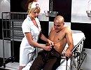 telecharger porno Une infirmière spécialisée en désanussage de toutes sortes !
